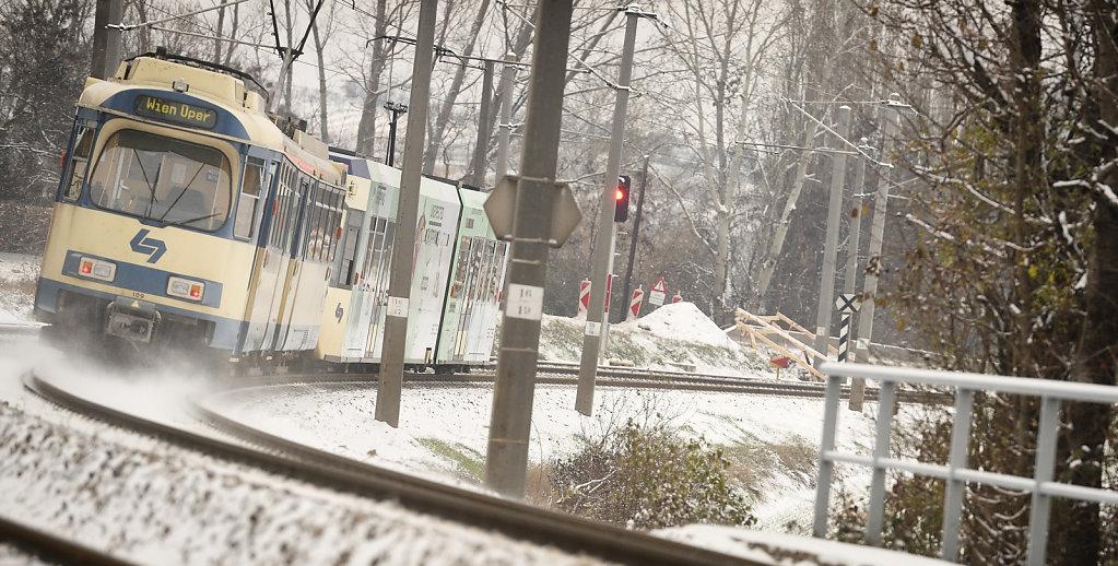 Badner Bahn im Winter