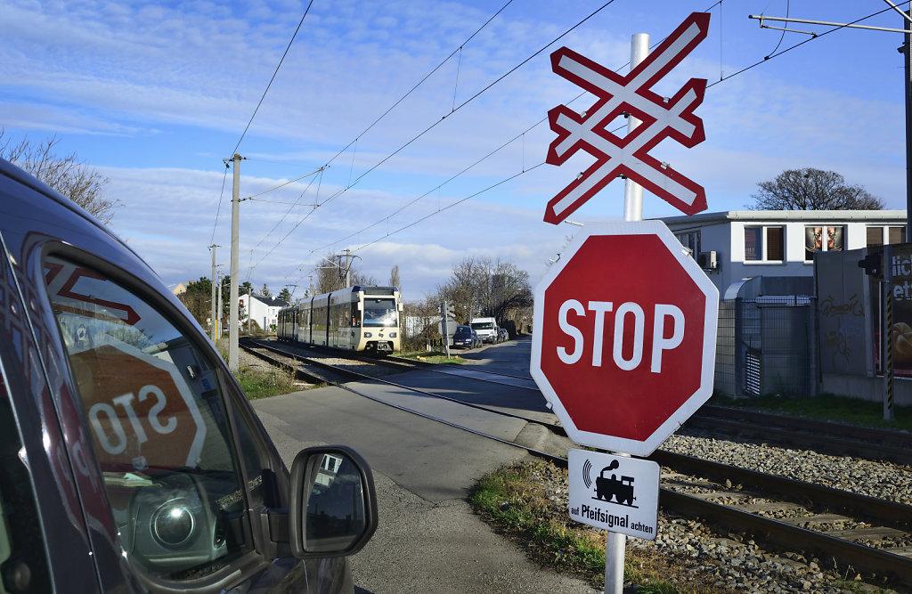 Imagebild Eisenbahnkreuzung