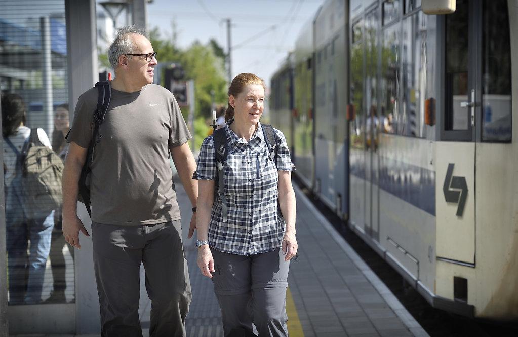 Fahrgäste Badner Bahn