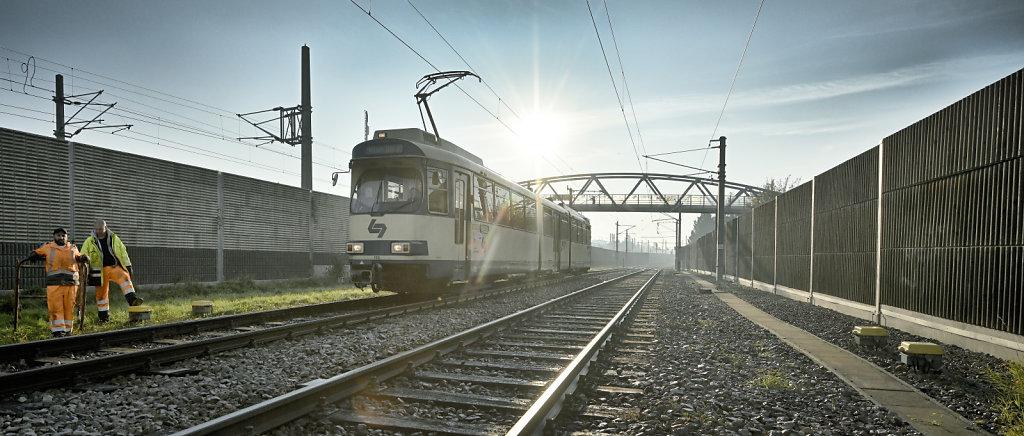 Badner Bahn im Herbst
